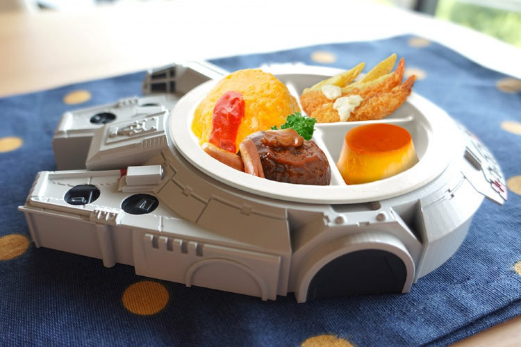 gy106_sw_lunchplate_milenium_falcon_5